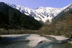 春を迎える穂高連峰2(リバーサル)