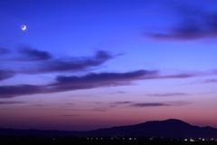 三日月と角田山