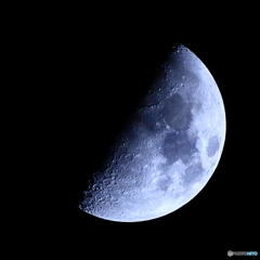 月齢8.48 九夜月 上弦