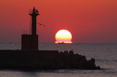 床波漁港のだるま朝日