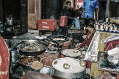 ネパール カトマンドゥ 路地裏 居酒屋