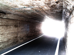 トンネルを抜けたら