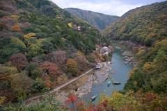 嵐山公園 - 保津峡を見下ろす