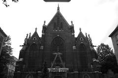 Die Kirche in Mariahilfer St.