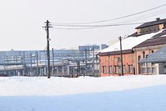今朝の新庄駅と 機関庫
