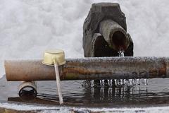 冬の手水舎