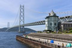 休日の明石海峡大橋