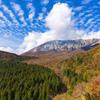 秋晴れの伯耆富士と紅葉