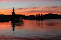 夕焼けの港