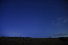 草原から見上げる星空