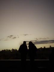川畔の夕暮れ