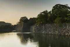 夕日と歴史の風景