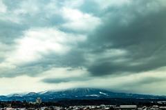 大山は雲の中
