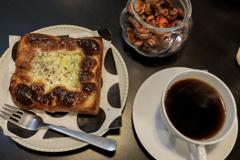朝食はマヨ玉と珈琲で