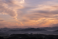 朝焼けの秋雲