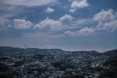 熱い丘の街