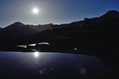 夜明けの水鏡