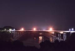 古い橋も美しく