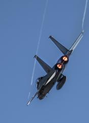 追尾するF-15