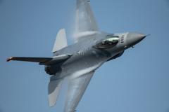 F-16機動