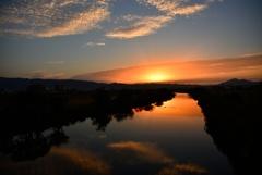 信貴山と大和川の朝焼けver3