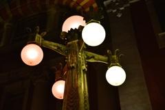 歴史を照らし続ける街灯 中之島中央公会堂