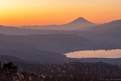 高原の日の出前