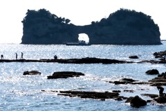 円月島、憩いの渚