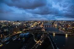 乱雲と信濃川