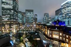 雨降り東京駅