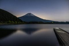 月夜の田貫湖