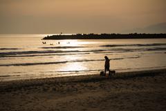 海の夕陽ってこんなイメージだろうか…