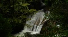 岡山県 奥津町 泉源渓谷 大滝(二軒屋大滝)