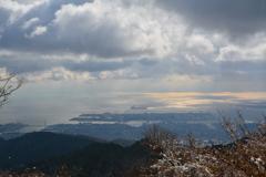 雪の六甲山から