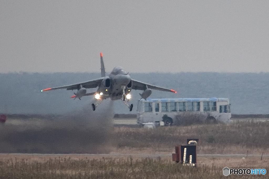 『T-4 練習機 テイクオフ』