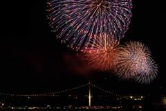 「花火と関門橋」