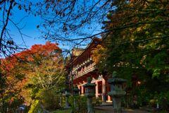 多武峰 色づく秋~拝殿