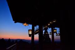 釣燈籠のある夕景 その2
