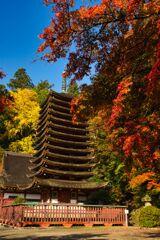 多武峰 色づく秋~十三重塔