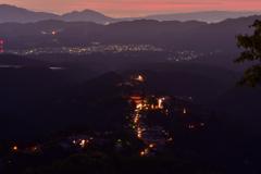 灯り始める吉野山