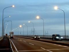 大黒大橋とベイブリッジ