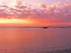 穏やかな海の夕焼け