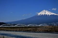 車窓から見た富士山