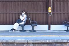 百舌鳥駅ホームのベンチ