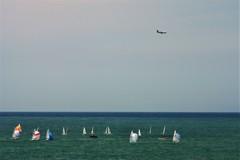 ヨットと飛行機