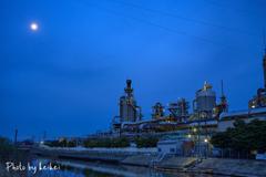 月と眠らない工場