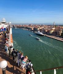 旅の思い出…ヴェネチア入港