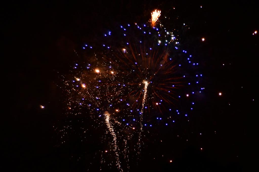 宇宙のような花火