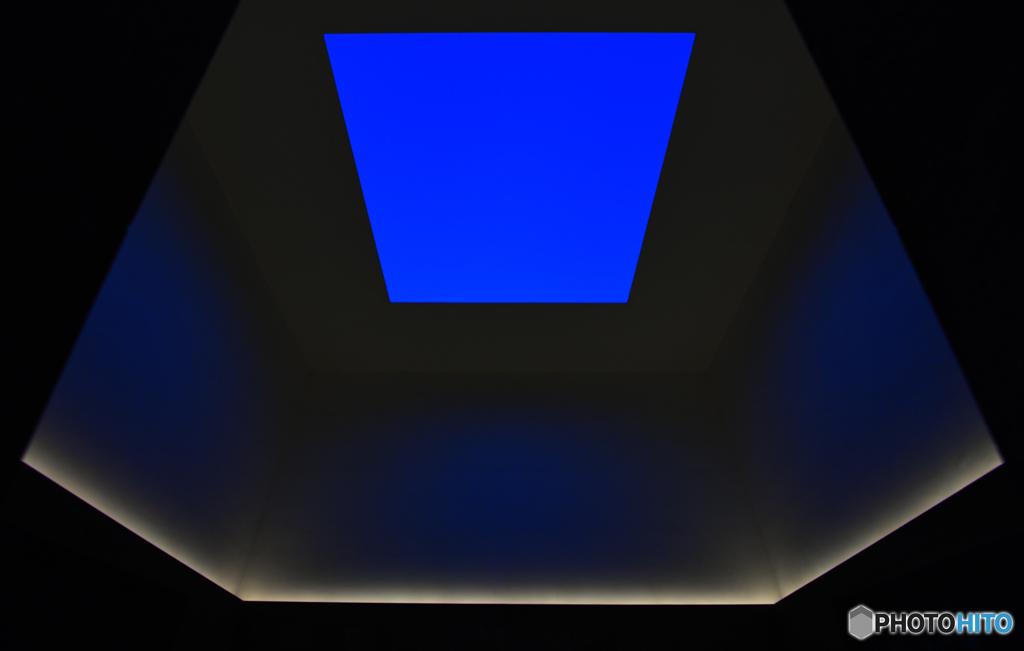 21世紀美術館の夜空~ブルー・プラネット・スカイ~