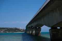 青空と古宇利大橋